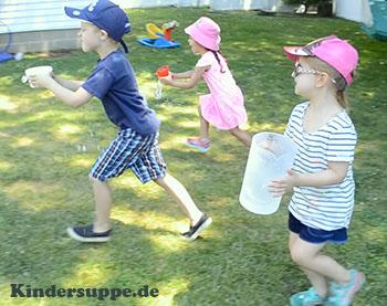 Kinder Olympiade Wasser-Wettlauf