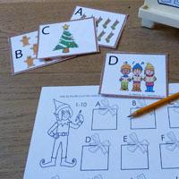 Mit den weihnachtswichteln spielen und lernen for Weihnachtsdeko buchstaben